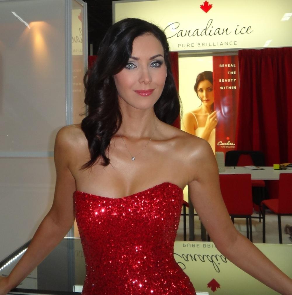 natalie glebova, miss universe 2005. - Página 3 Hhblif10