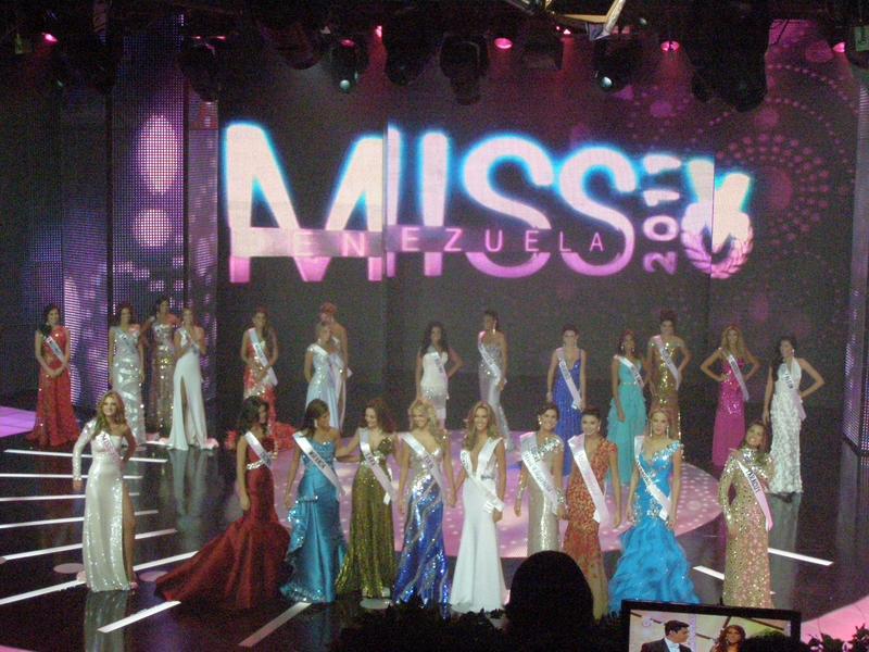 irene esser, top 3 de miss universe 2012. - Página 24 Image110