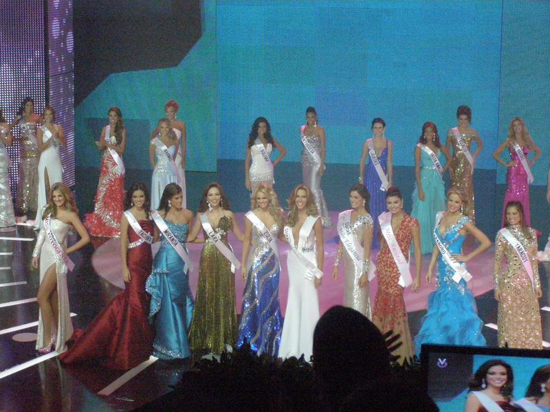 irene esser, top 3 de miss universe 2012. - Página 24 Image111