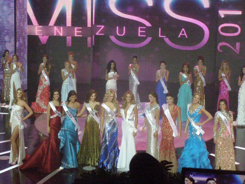 irene esser, top 3 de miss universe 2012. - Página 24 Image113