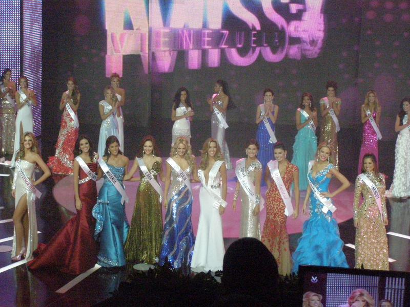 irene esser, top 3 de miss universe 2012. - Página 24 Image114