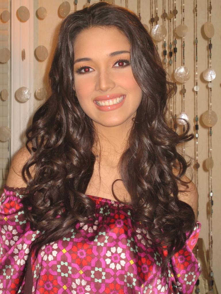 ════ ∘◦❁◦∘ ════ Amelia Vega, Miss Universe 2003. ════ ∘◦❁◦∘ ════ - Página 4 Img_2910