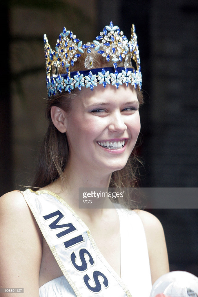 alexandria mills, miss world 2010. J4rkf810