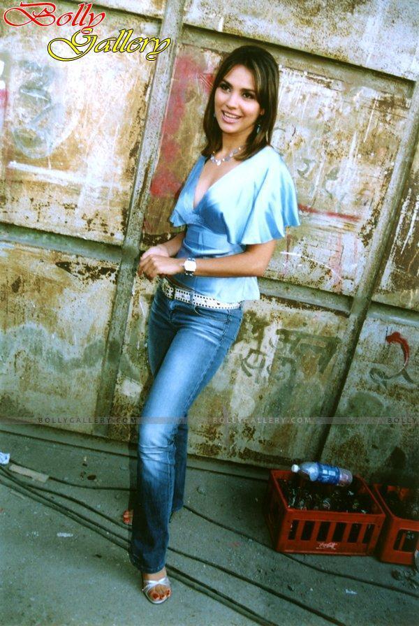 lara dutta, miss universe 2000. - Página 4 Lara-d20