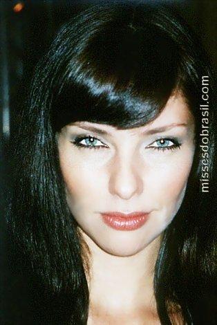 lara brito, miss mundo brasil 2003. Laraco11