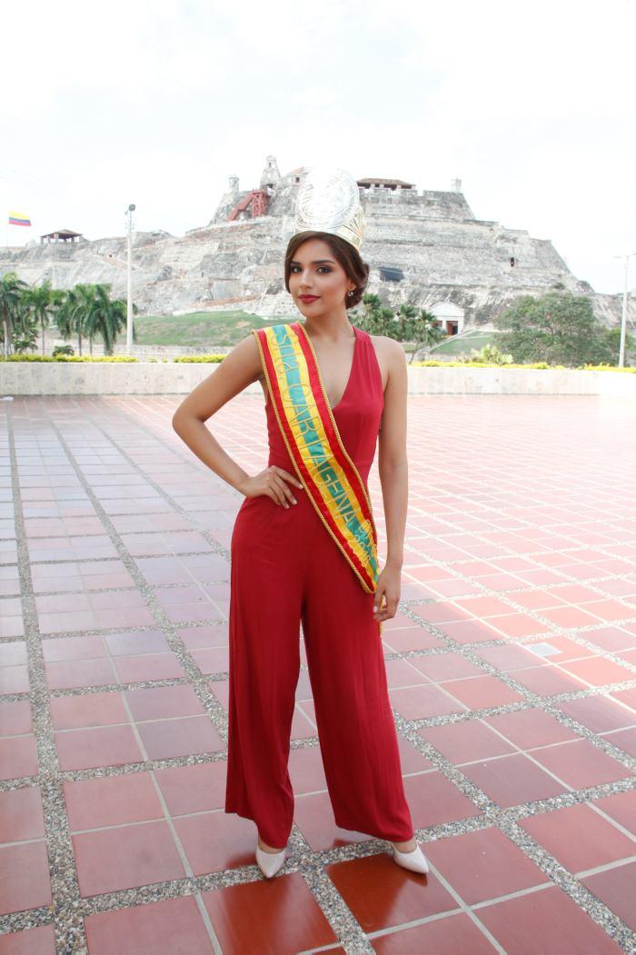 laura gonzalez, 1st runner-up de miss universe 2017. - Página 2 Laura10