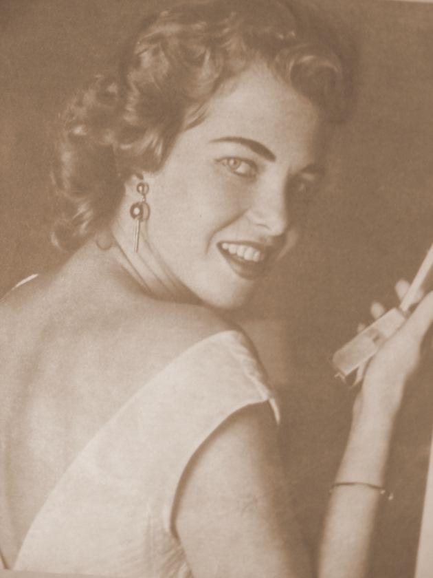 martha rocha, top 2 de miss universe 1954. primeira brasileira a participar de miss universe.†  - Página 2 Martar11