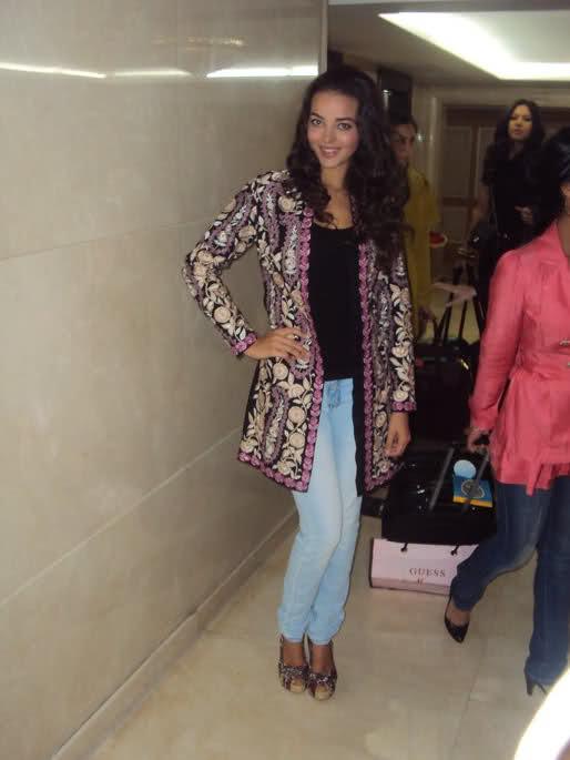 fatima jimenez triguero, miss espana mundo 2010. - Página 3 Mb0qh210