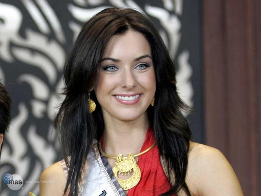 natalie glebova, miss universe 2005. - Página 3 Miss-u12