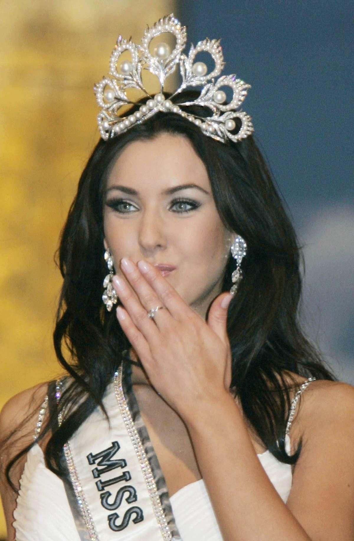 natalie glebova, miss universe 2005. - Página 4 Miss-u15