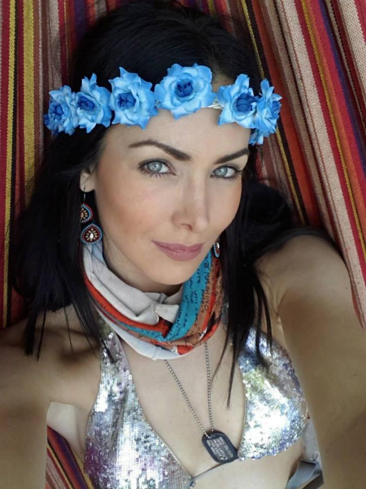 natalie glebova, miss universe 2005. - Página 4 Miss-u17