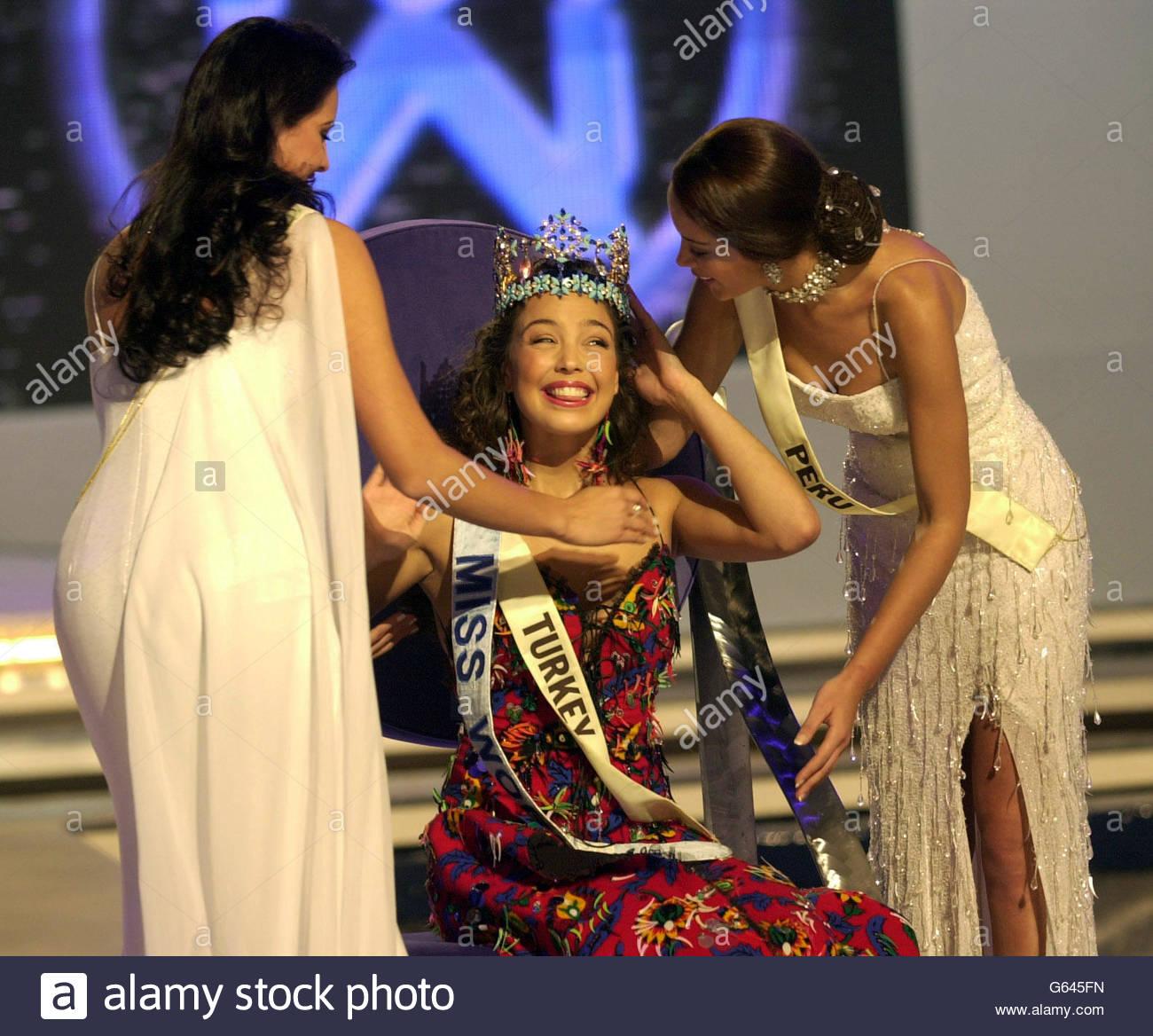azra akin, miss world 2002. Miss-w15