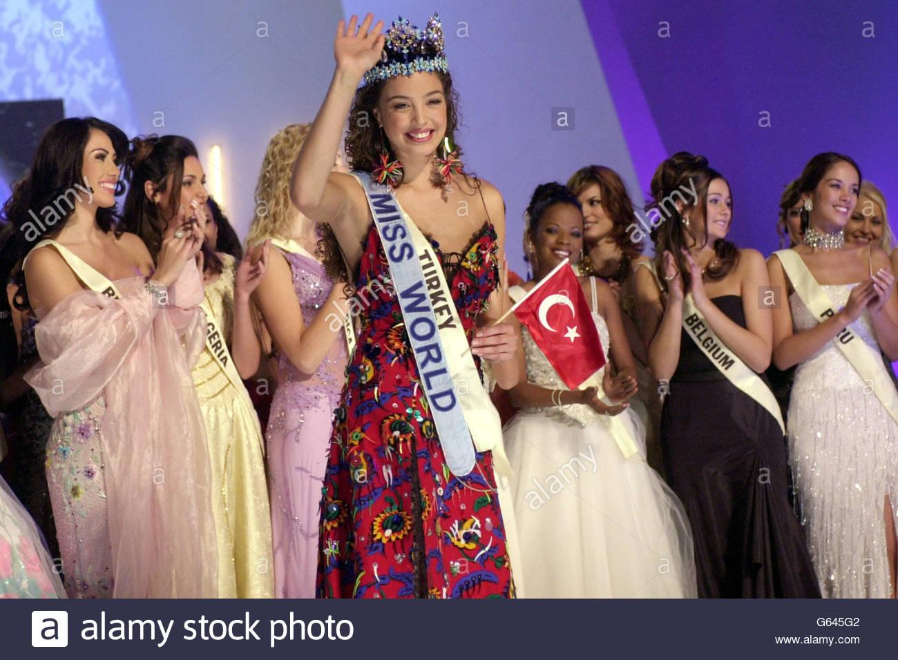 azra akin, miss world 2002. Miss-w16