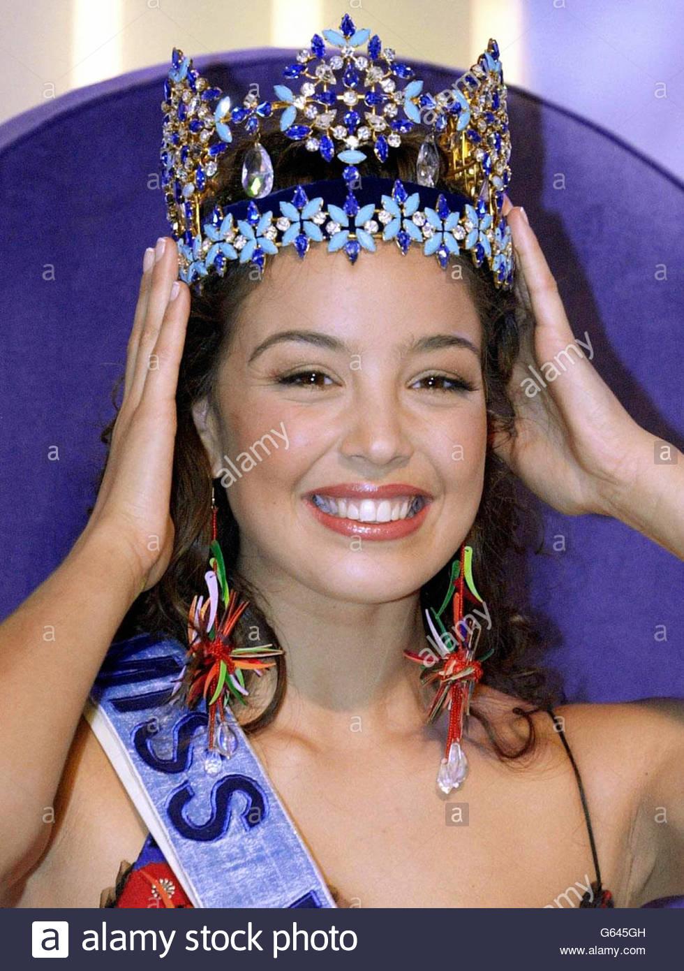 azra akin, miss world 2002. - Página 2 Miss-w17