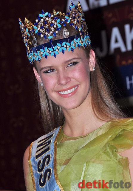 alexandria mills, miss world 2010. - Página 3 Miss110