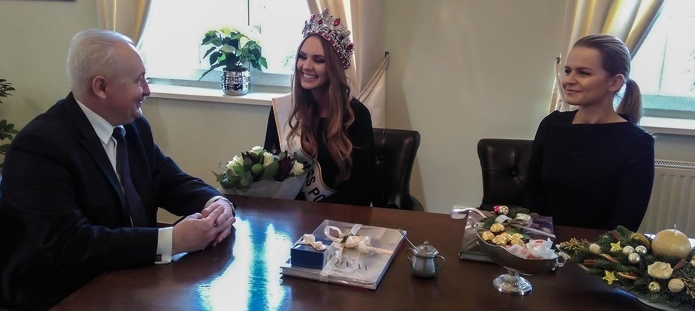magdalena bienkowska, 2nd runner-up de miss supranational 2018/top 40 de miss world 2017/top 15 de miss international 2016. - Página 2 Miss4-10