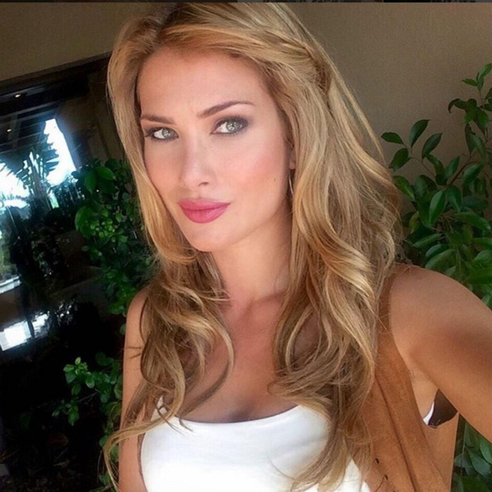 mireia lalaguna, miss world 2015. - Página 2 Miss_w11
