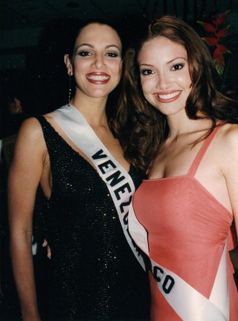 denise quinones, miss universe 2001. - Página 3 Mu01de10