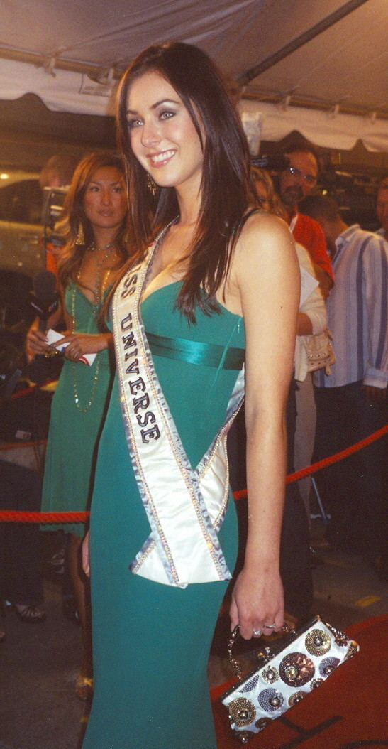 natalie glebova, miss universe 2005. - Página 2 Natali11