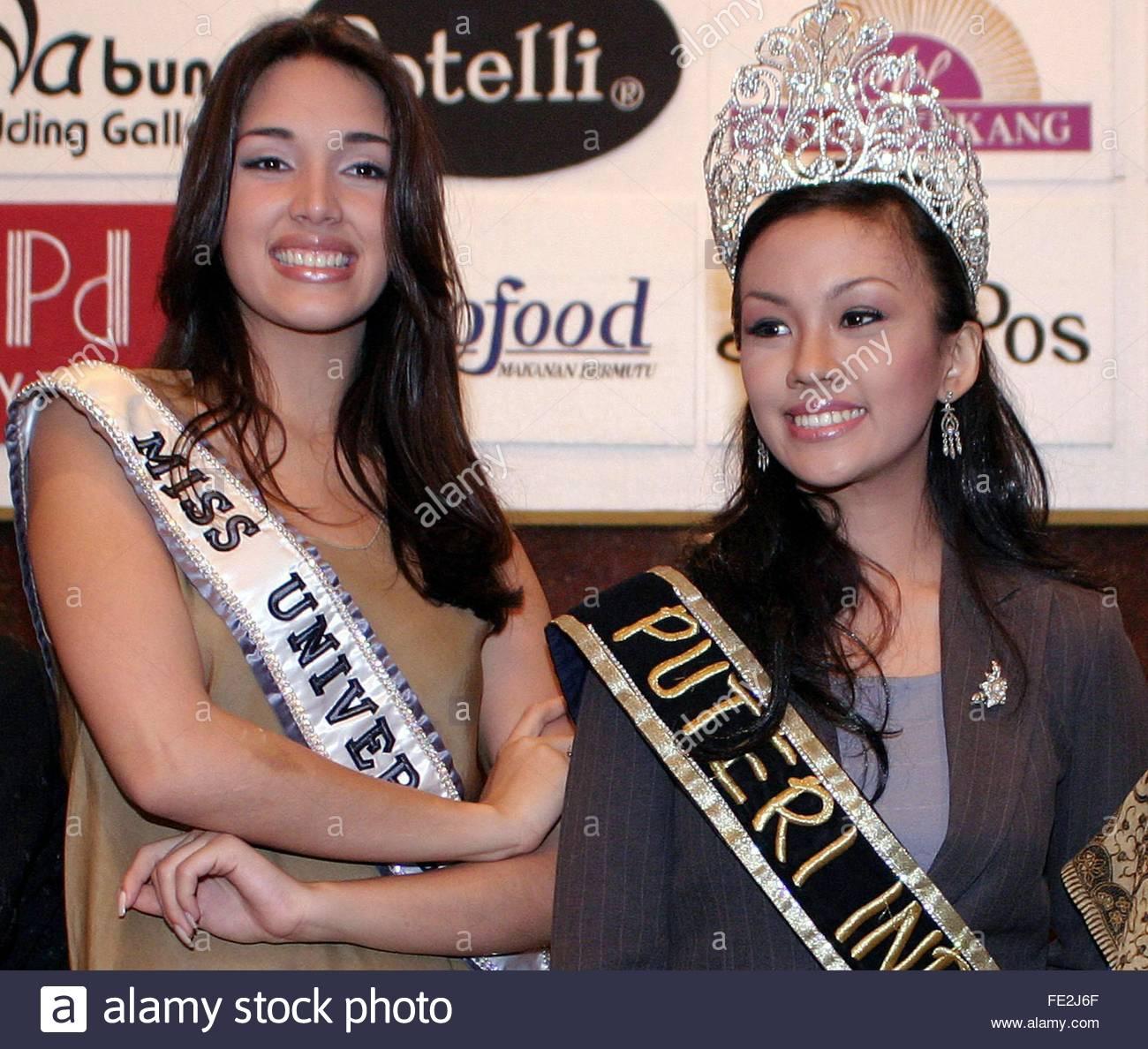 ════ ∘◦❁◦∘ ════ Amelia Vega, Miss Universe 2003. ════ ∘◦❁◦∘ ════ - Página 8 Newly-11