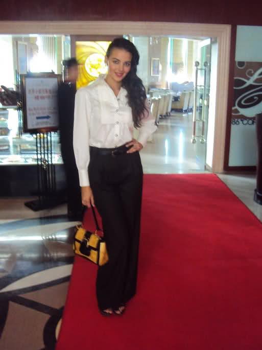 fatima jimenez triguero, miss espana mundo 2010. - Página 3 Nlrl8l10