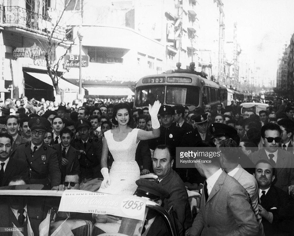 gladys zender, miss universe 1957. primera latina a vencer este concurso. - Página 3 O5tgi210