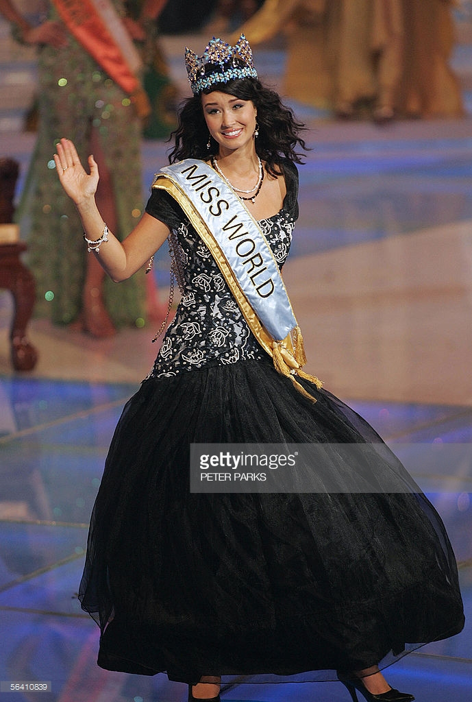 unnur birna vilhjalmsdottir, miss world 2005. - Página 2 Ouowst10