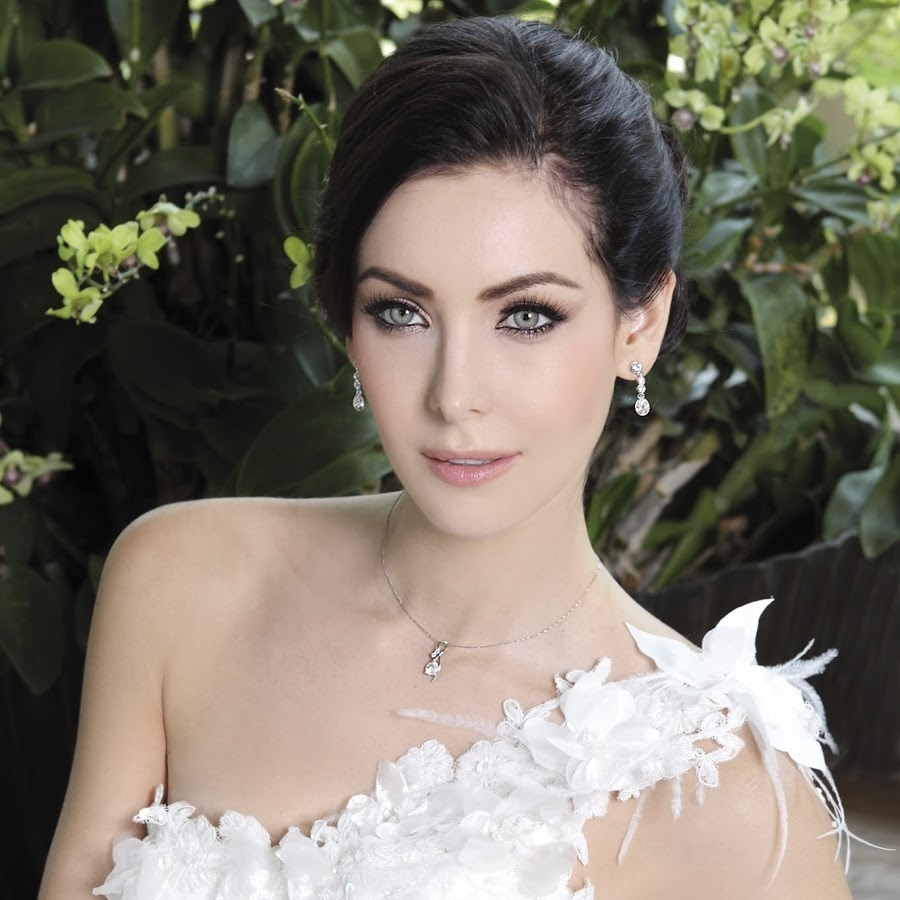 natalie glebova, miss universe 2005. - Página 2 Photo-10