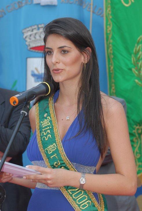 rafaela zanella, top 20 de miss universe 2006. - Página 2 Rafael10