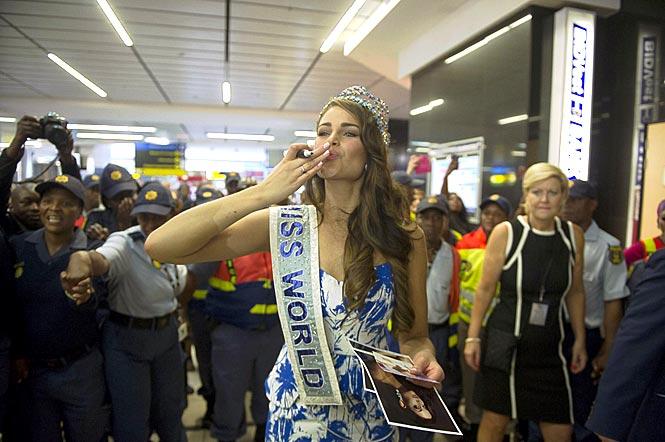 rolene strauss, miss world 2014. - Página 7 Univer18