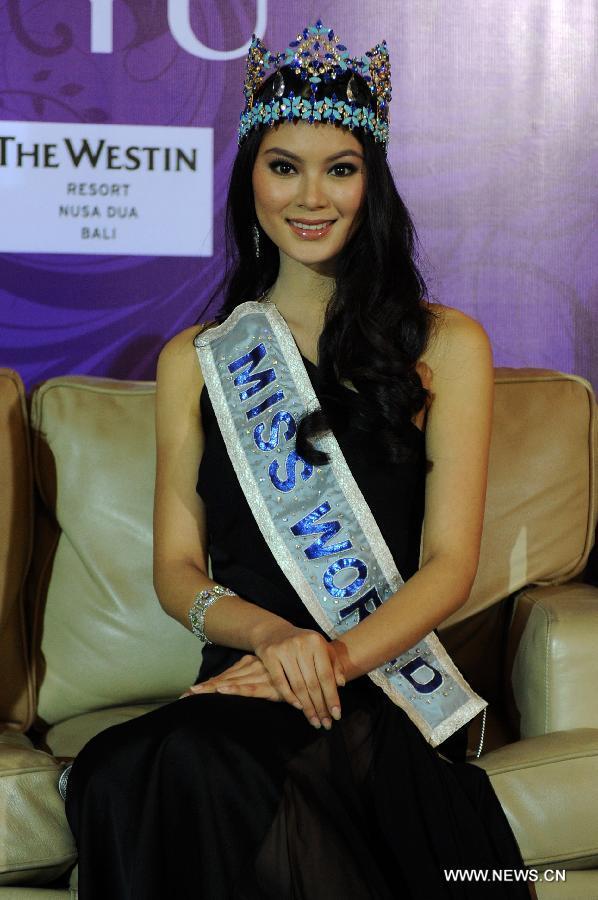 wenxia yu, miss world 2012.  W0201310