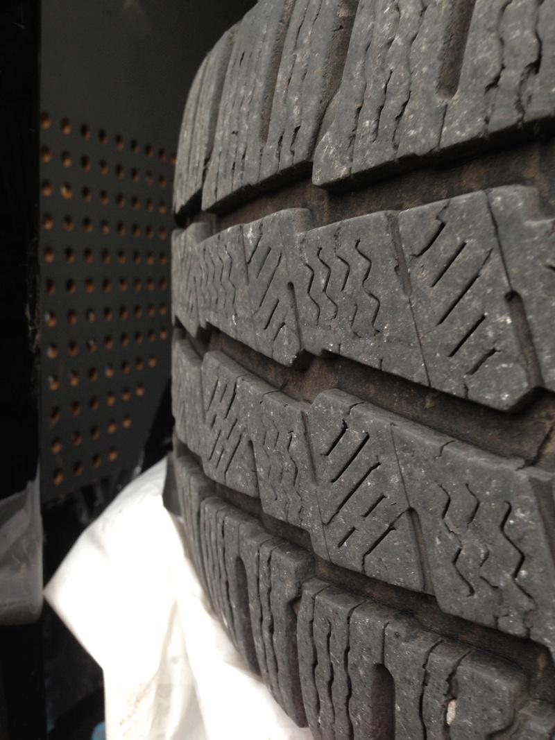 "[VENDU] 4 Jantes + pneus Michelin neige 16"" origine Wv 9 trous Image13"