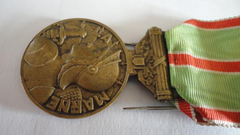 copie ou pas: médaille de la marne Dsc05917
