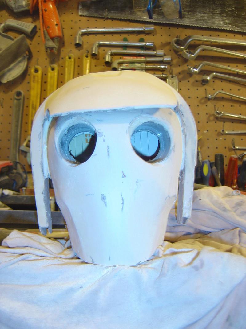 Flo la serveuse droide de star wars tille réelle en bois Dsc01618