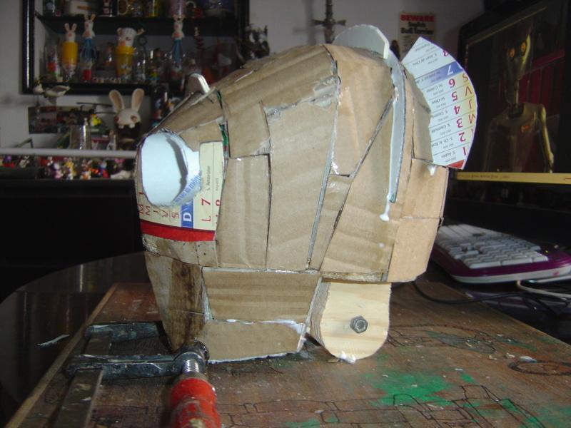 Flo la serveuse droide de star wars tille réelle en bois Wa-7_m12