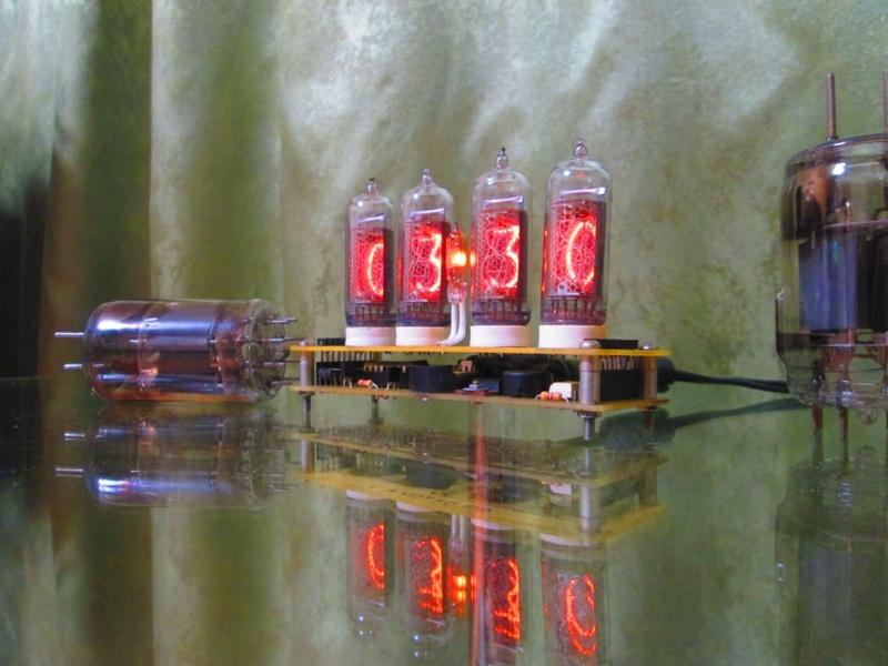 """Часы-термометр-будильник на лампахт ИН-14 """"Элиза"""" Img_0720"""