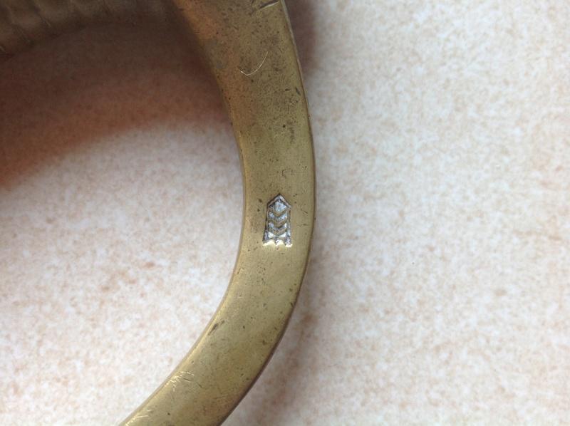 Identification et estimation de deux sabre briquet et un reste d'épée Img_0813