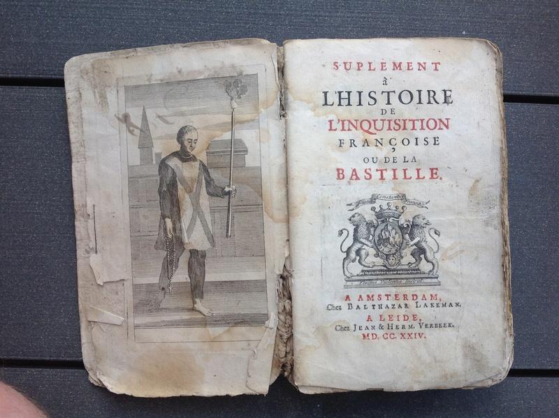 Estimation de deux vieux livre (1724 et 1787) Img_2225