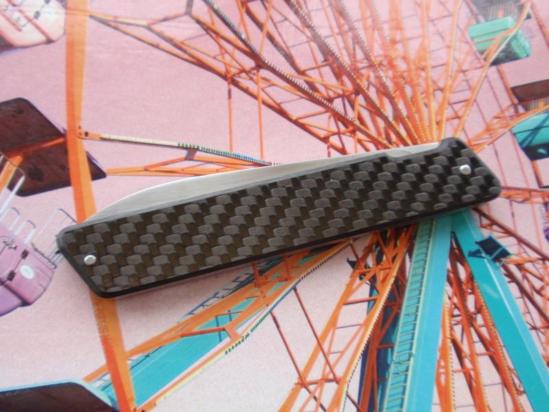 La collection de Couper au couteau - Page 27 Pc015410