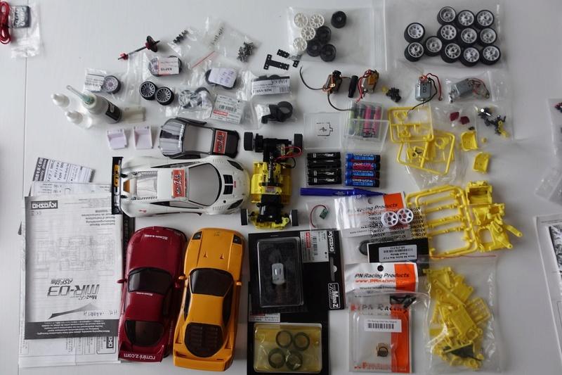 Chassis MR03 jaune 100€  ou avec lot de pièces pour 190€ Dsc01316