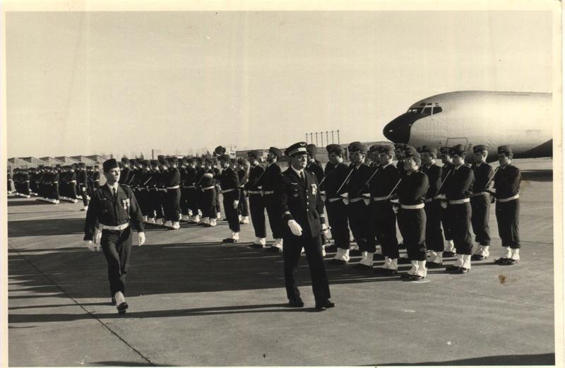 Comparatif et différence entre les BOEING KC 135 et AWACS 1/72 Eric_110