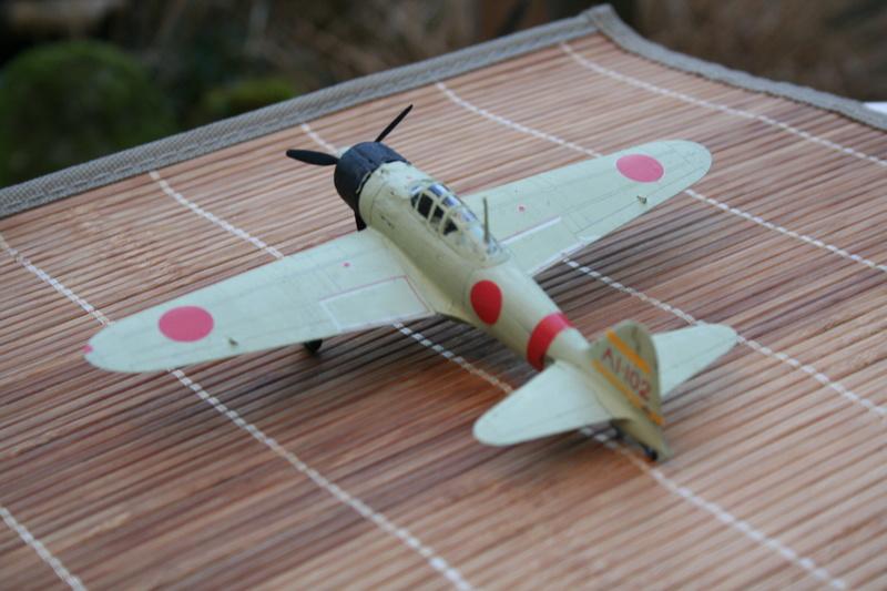 Le Mitsubishi A6M2B-21 Zéro du Lt Saburo Shindo 2 e vague d'assaut de l'Akagi à Peral Harbor au 1/72 par JJ Img_2215