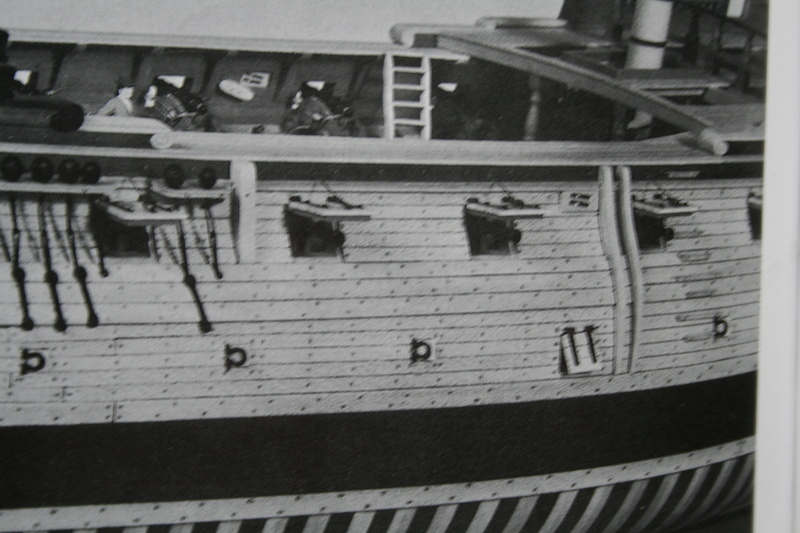 La Confederacy de 1772 au 1/64 par Model Shipways - Page 2 Img_2276