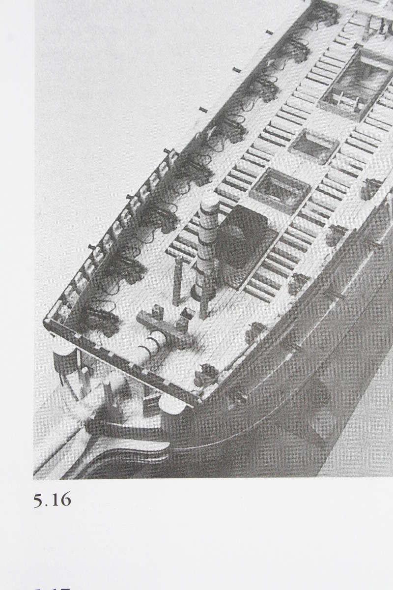 La Confederacy de 1772 au 1/64 par Model Shipways - Page 5 Img_2544