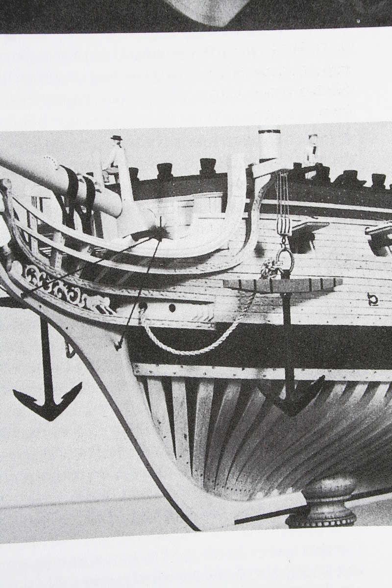 La Confederacy de 1772 au 1/64 par Model Shipways - Page 5 Img_2547