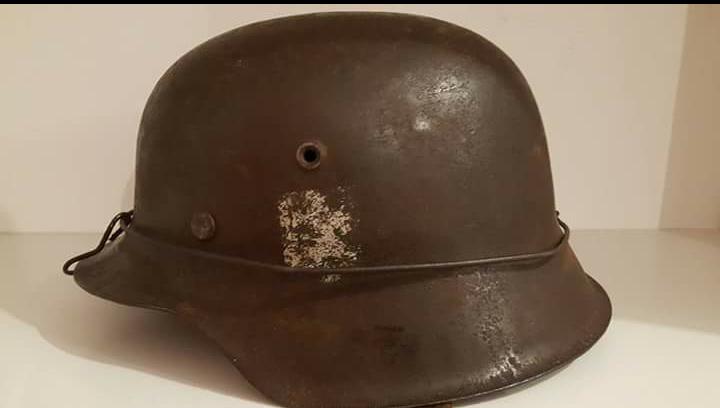 casque allemand grillagé modèle 42 1 insigne Screen16