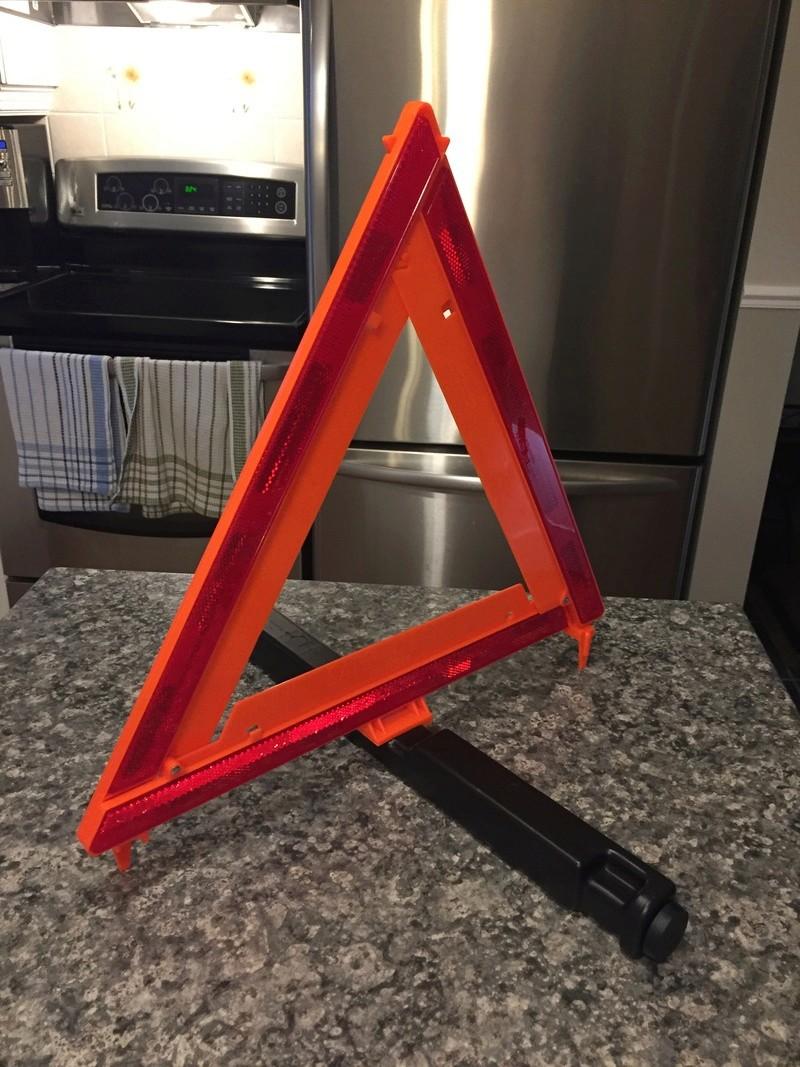 Triangle réflecteur obligatoire ou pas ? Img_3510