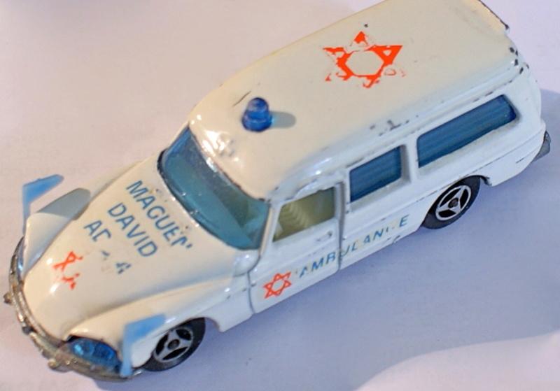 N°206 Citroën Ds Ambulance - Page 2 Dsc03510
