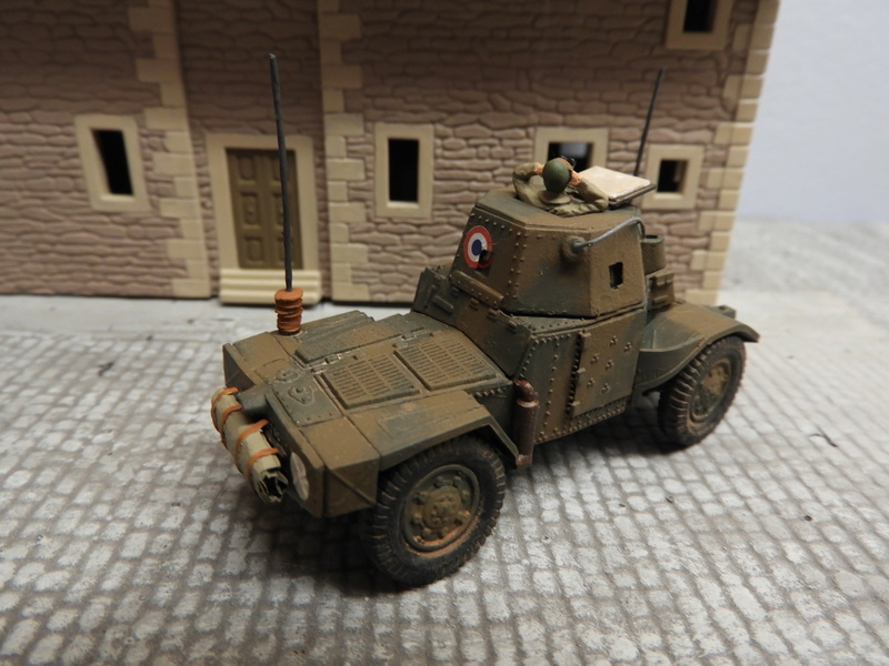 Transformation AMD 35 et Panhard 178 PC au 1/72 Dscn0524
