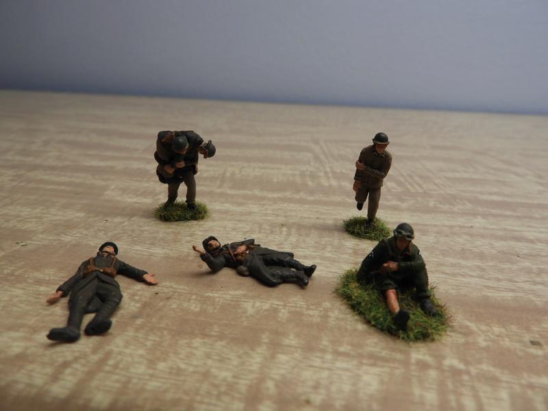Mécaniciens, blessés, équipages (cavalerie et BCC) de blindés, 1/72 Dscn0545